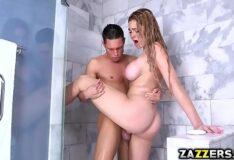Sexo com cunhada loira novinha no banheiro