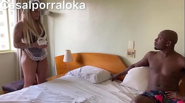Tufos free loira vadia fazendo porno com os chefes